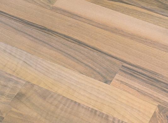 Laminátová podlaha White Line