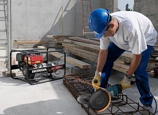 Elektrocentrály, topidla, kompresory