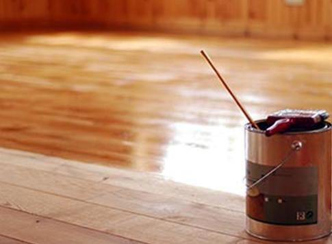 Podlahové laky a oleje