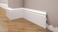 Cezar Elegance podlahová soklová lišta 79x12,9 mm 2,44 m bílá