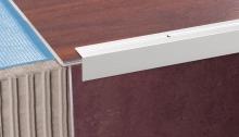 Schodová hrana vrtaná Cezar 30x30mm 1m stříbrná