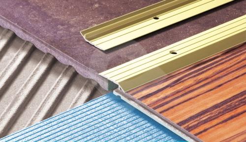 Náběhová lišta samolepící 30x5 mm hliník zlatá 1 m