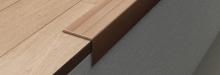 Schodová hrana samolepící Profilpas Prestwood 25x20mm 0,9m ořech světlý